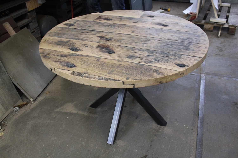 Table Ronde Catelyn En Plancher De Wagon For Me Lab Plancher Table Style Loft