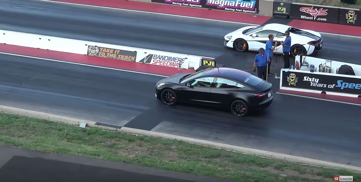 Tesla Model 3 Performance Drag Races Mclaren 570s In Impressive 1 4 Mile Showdown Racing Model Super Cars