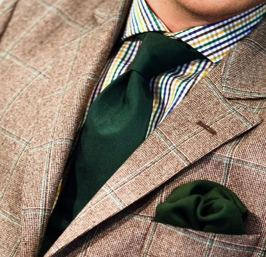 Nice pattern on this Wicket jacket. Goes great with tie and pocket square.