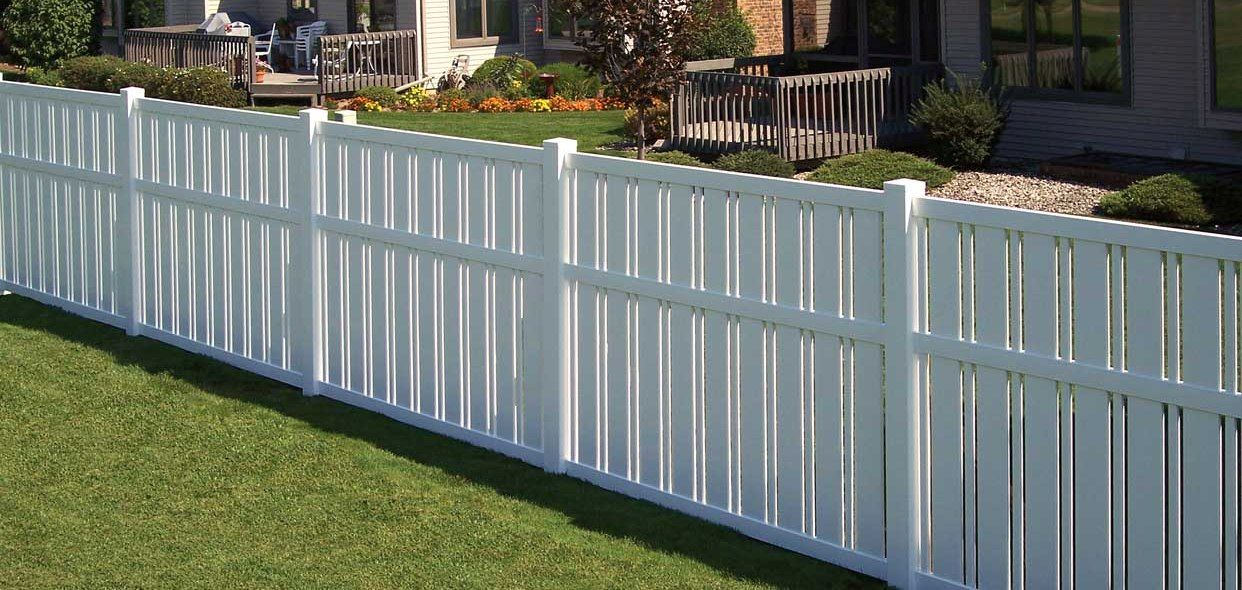 Types Of Vinyl Fences Photo Of White Vinyl Fencing Running Around A Subdivision The Fence White Vinyl Fence Backyard Fences Vinyl Fence