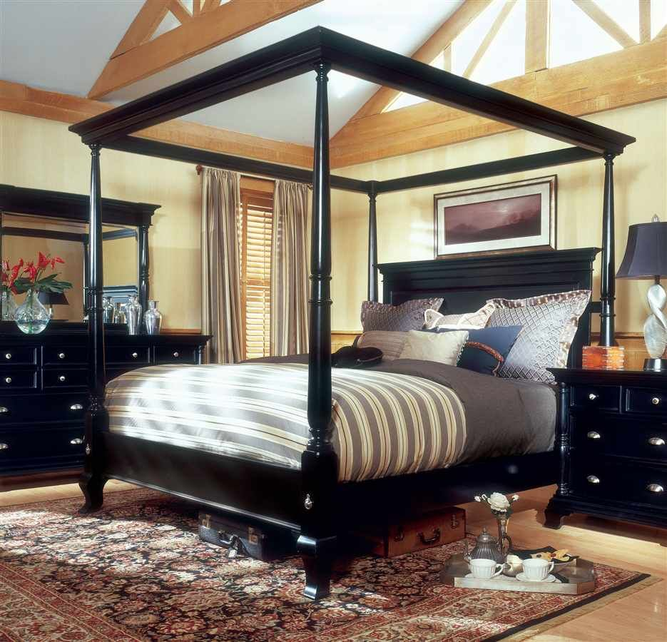 Canopy bed.. Dream Home Black bedroom furniture