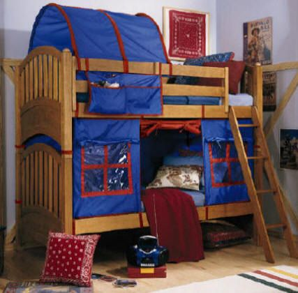 Bunk Bed Fort Curtains - DIY I'd love to have these for the boys when they're a little older. So fun!