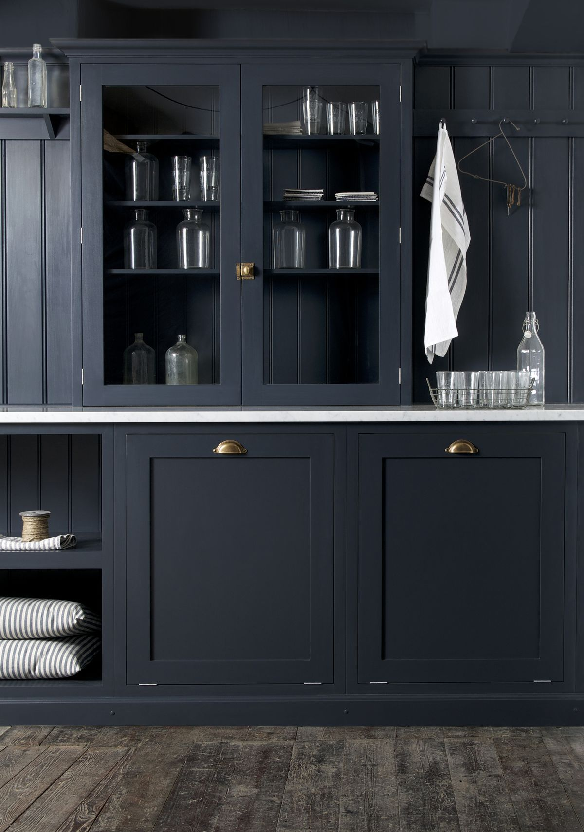 Devol 39 S Shaker Kitchen Pantry Blue With Carrara Marble Worktop And Undermounted Copper Sink