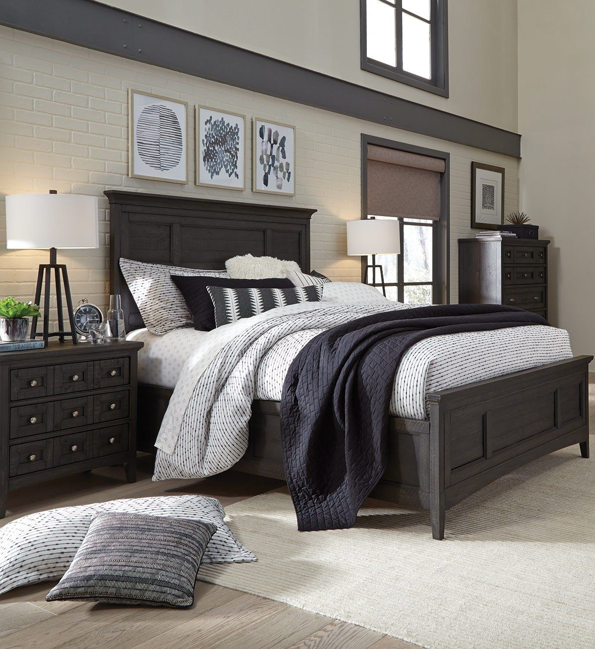 7 Reasons To Decorate with Black and White Black bedroom