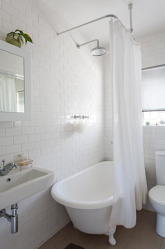 Metro tiles, c shaped shower curtain rail | loo | Pinterest ...