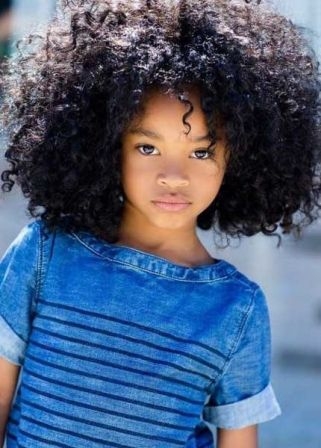 Coiffure petite fille métisse Coiffure cheveux naturels