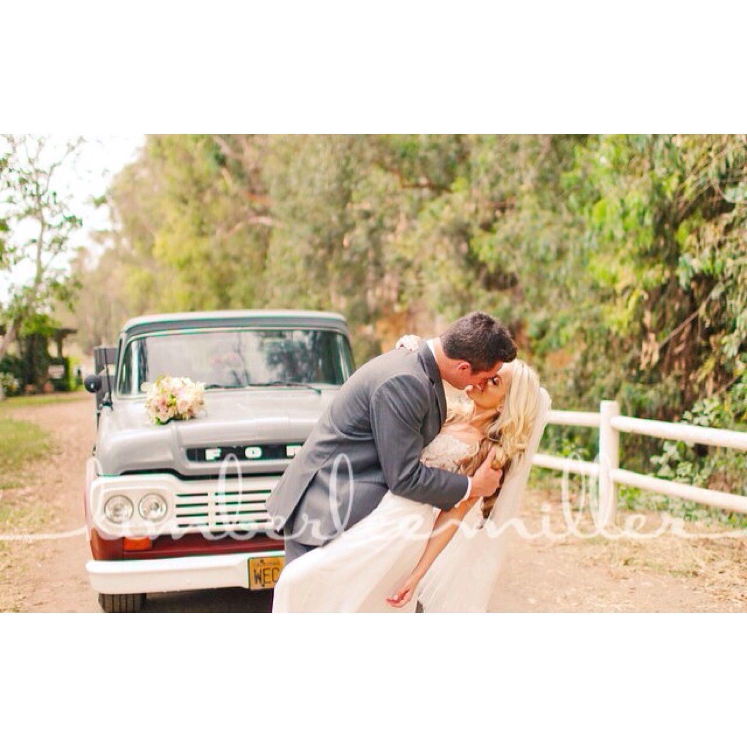 Walnut Grove Wedding. Moorpark, California. Photographer
