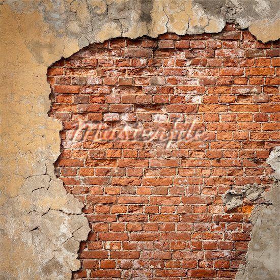 Brick Covered In Peeling Stucco レンガ建築 家 レンガ