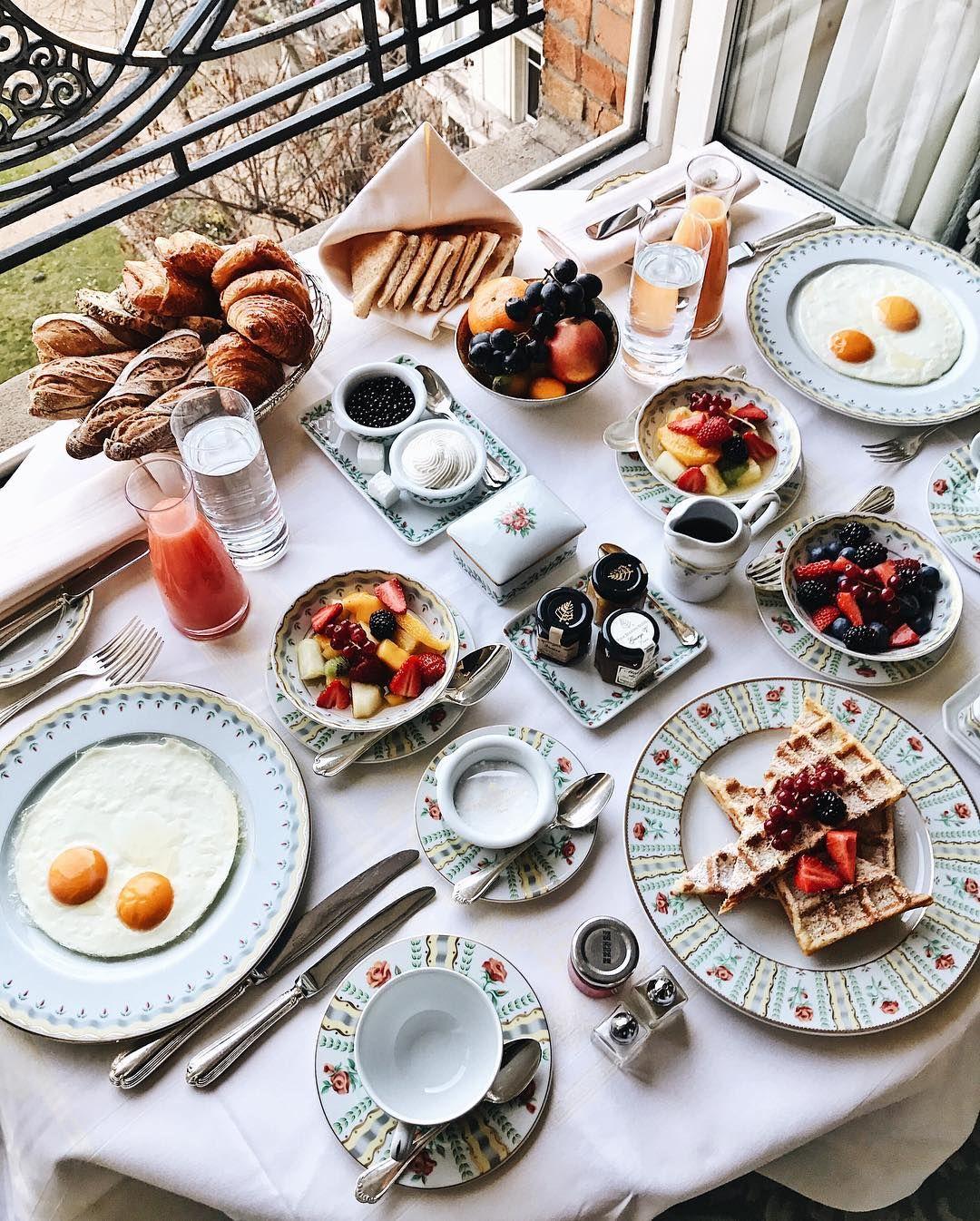 Breakfast at Four Seasons Hotel V, Paris