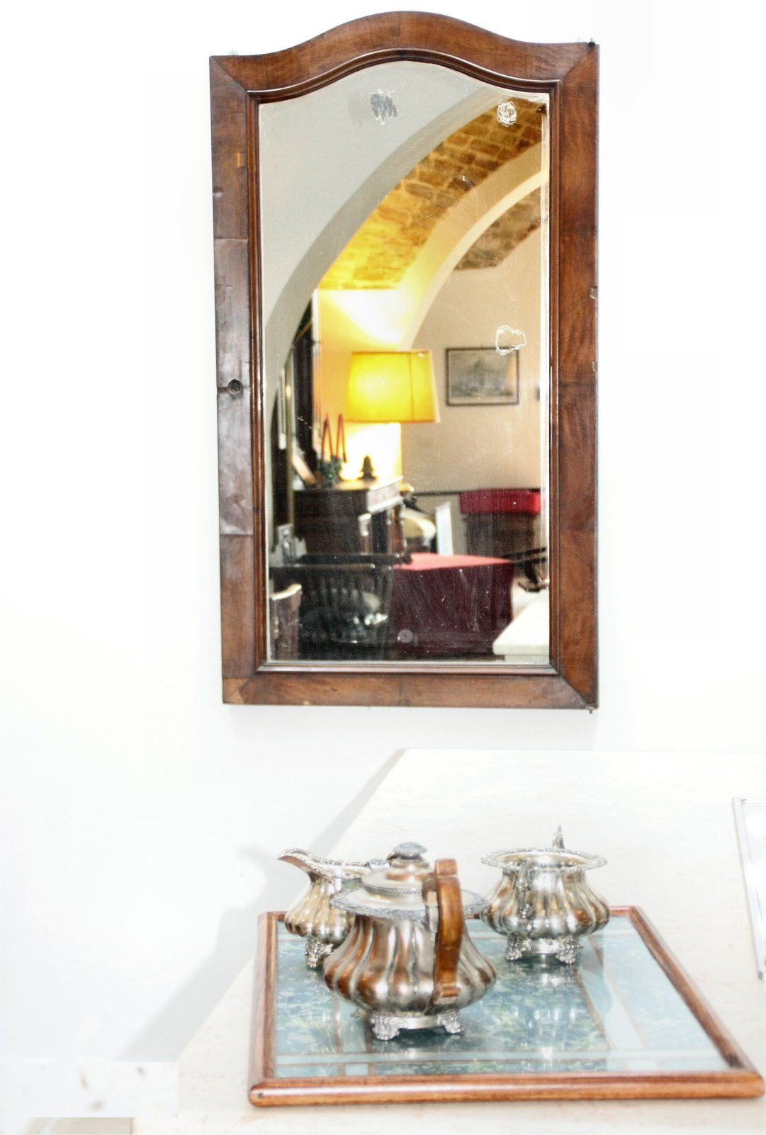 detail ...mirror in pur kitchen