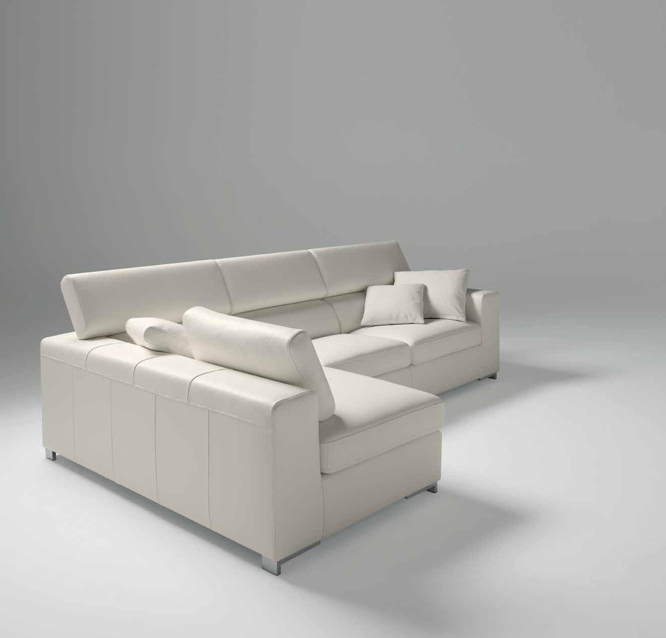 Larghezza: 183 cm Profondità: 105 cm Altezza: 76 cm Il divano ...