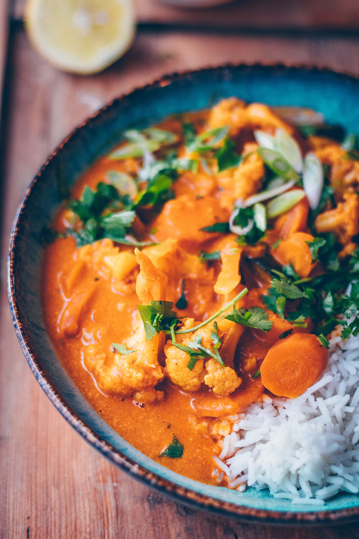 Kokos Blumenkohl Curry | 30 Minuten Rezept - Klara`s Life