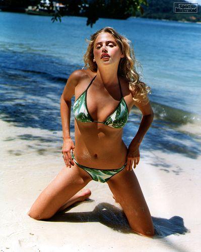Estella warren bikini pics