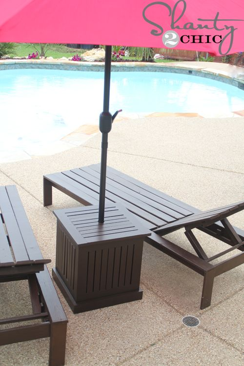 Delightful DIY Outdoor Umbrella Stand And Loungers