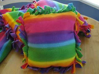 Classroom DIY: DIY Fleece Pillows. Graceanne\u0027s classroom is in need of some floor pillows & DIY Fleece Pillows   Pillows Craft and Fleece projects pillowsntoast.com