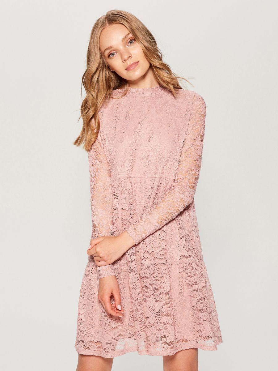 ec542c60 Koronkowa sukienka ze stójką - różowy - VA917-39X - Mohito - 1 ...