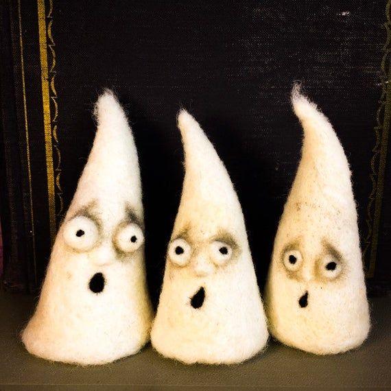 Set of three needle felted ghosts, Halloween ideas #needlefeltedbunny