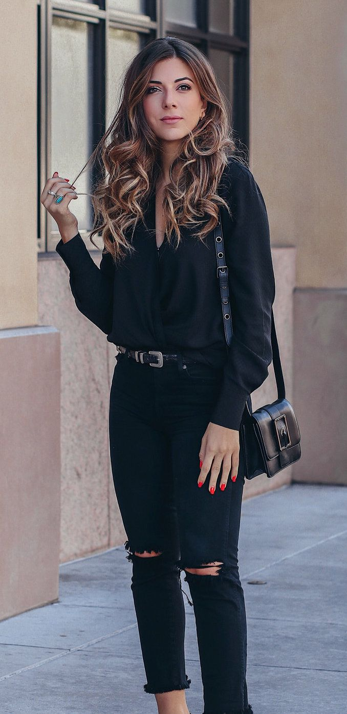 40 Stylish Fall Outfits To Stand Out From The Crowd Women S Black Dress Shirt And Distressed Jeans You Stylish Fall Outfits Black Dress Shirt Women Outfits [ 1395 x 678 Pixel ]