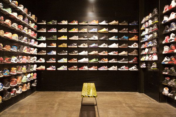 Flight club, Shoe store design