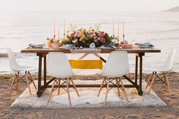Ruffled - photo by Alexandra Wallace http://ruffledblog.com/tranquil-bohemian-beach-wedding-inspiration