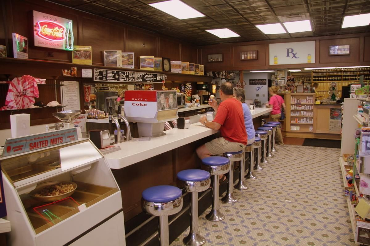 My grandparents 39 favorite spot iowa is one state for Old fashioned pharmacy soda fountain