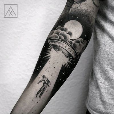 Tattoo uploaded by moraezz | Abduction by @maxvorax #brasil #brazilianartist #alien #ovni #blackwork #ET | 373541 | Tattoodo