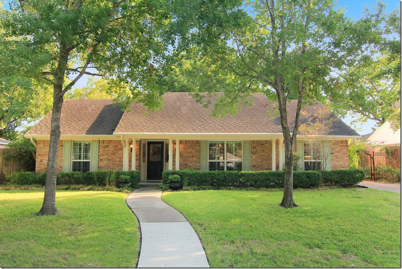Cote De Texas Total Renovation For A 1960 S Houston Ranchburger Ranch House Remodel Brick Ranch Houses Ranch Remodel