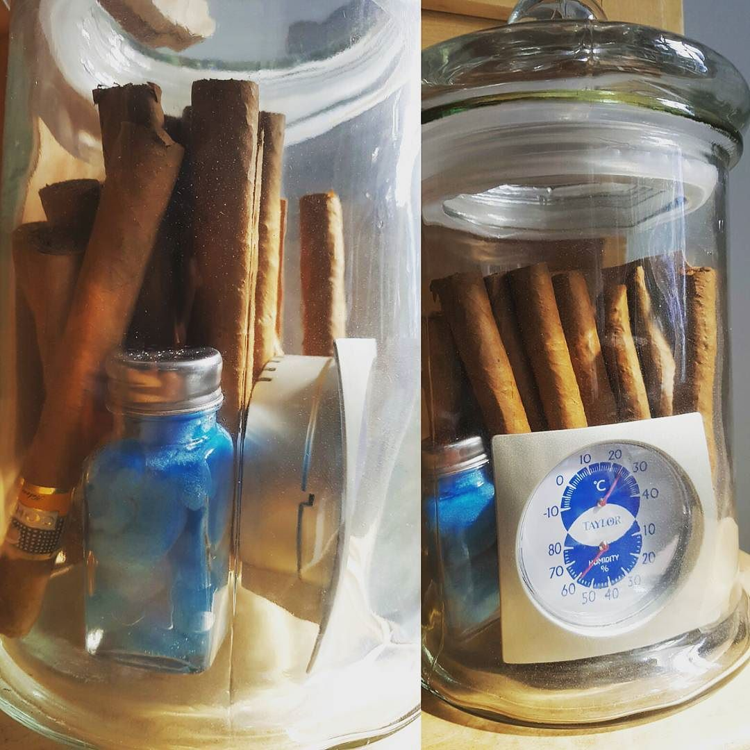 #homemade #humidor pour les #cigares #cohiba ! #sponge #saltshaker #cookiejar #thermometer