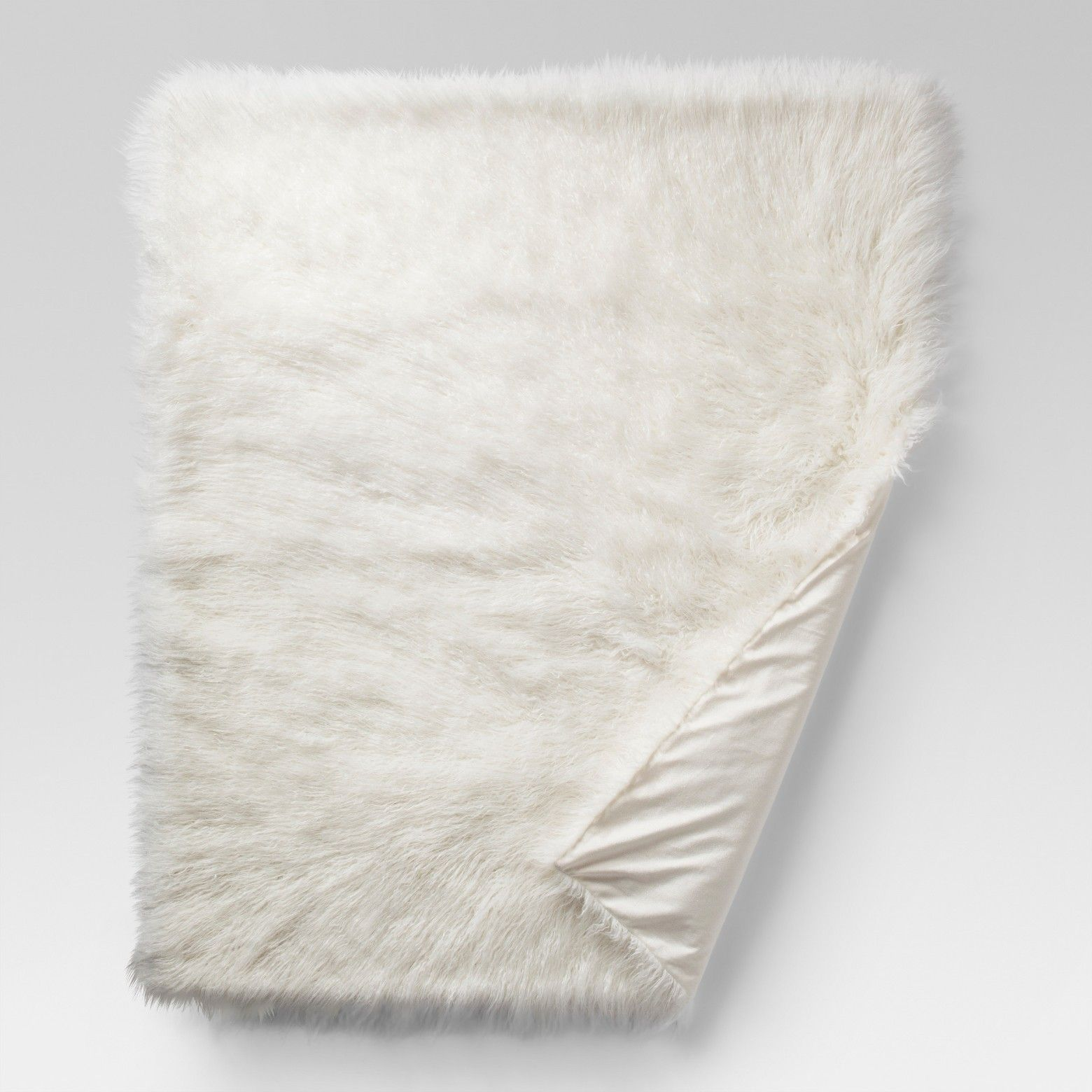 Add A Touch Of Modern Glam Decor To Any Room With The Mongolian Faux Fur Throw Blanket From Projec Faux Fur Throw Blanket Fur Throw Blanket Cream Throw Blanket