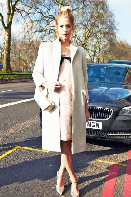 A lady-like white topper in London #streetstyle