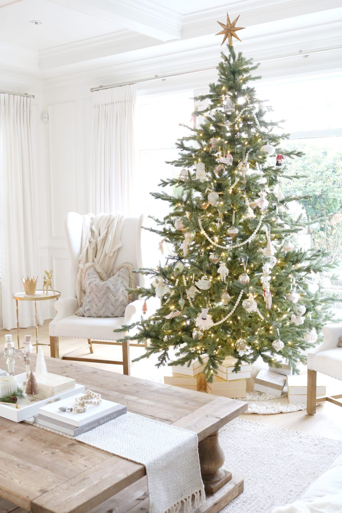 Jslifeandstyle Beaded Garland Christmas Tree Coffee Table Styling