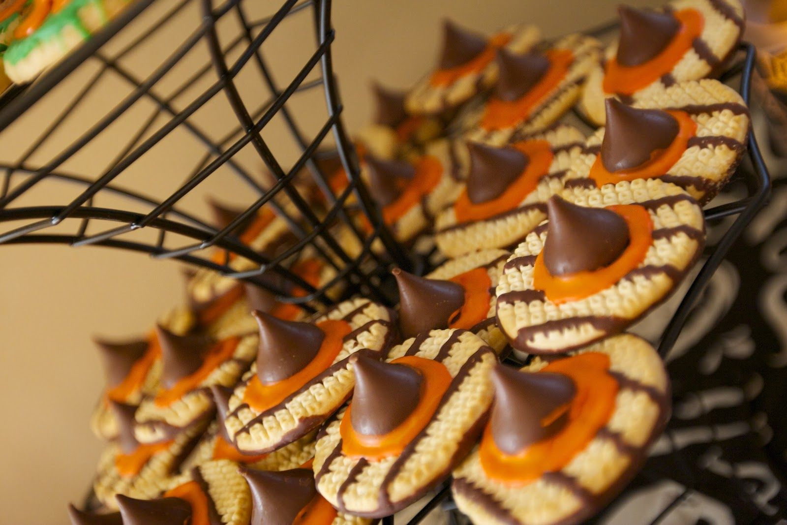 Witch Hat Cookies  www.mommyerica.com