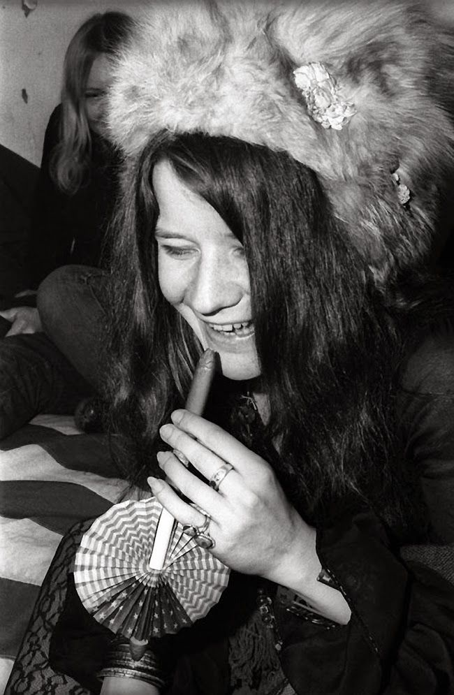 vintage everyday Wonderful Black & White Photos of Janis