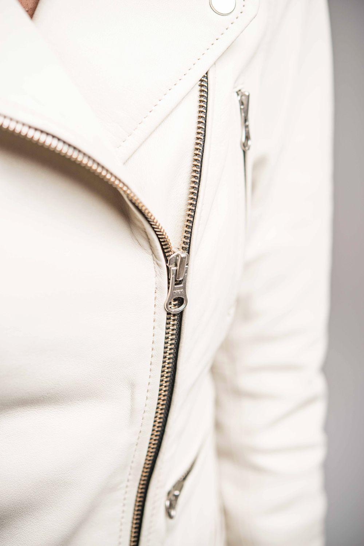 f4efb41521b6 Coupe perfecto avec zip asymétrique et cuir coloris blanc - modèle Malica