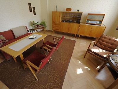 Dining room east german living spaces ddr wohnung for Dining room in german