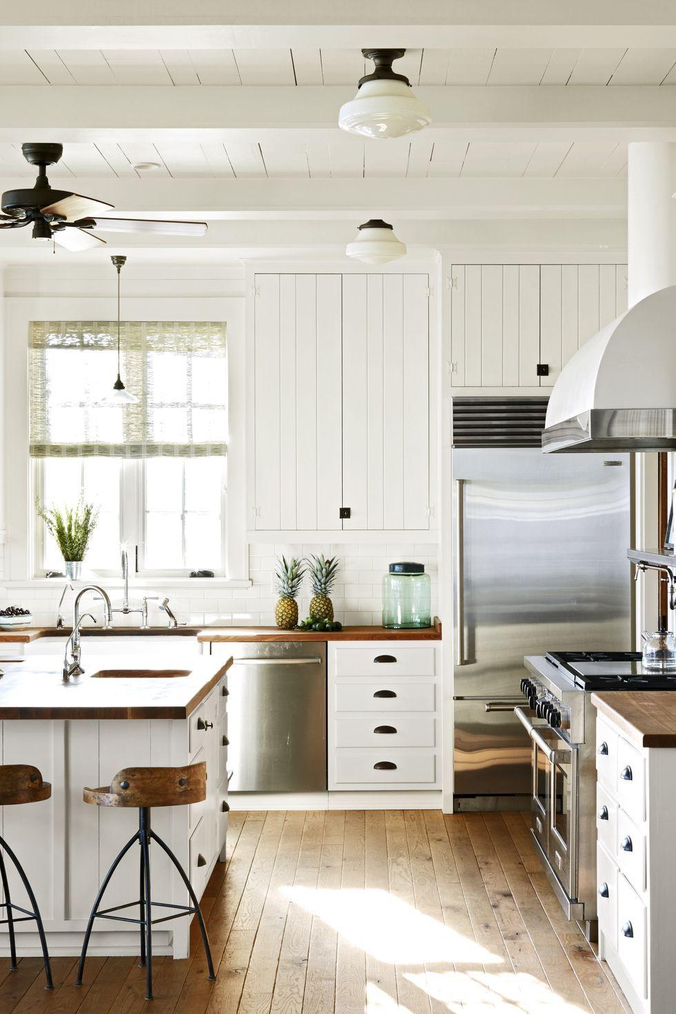 10 Cuisines De Style Campagne Chic En 2020 Idees De Cuisine Blanche Cuisine Blanche Cuisines Maison