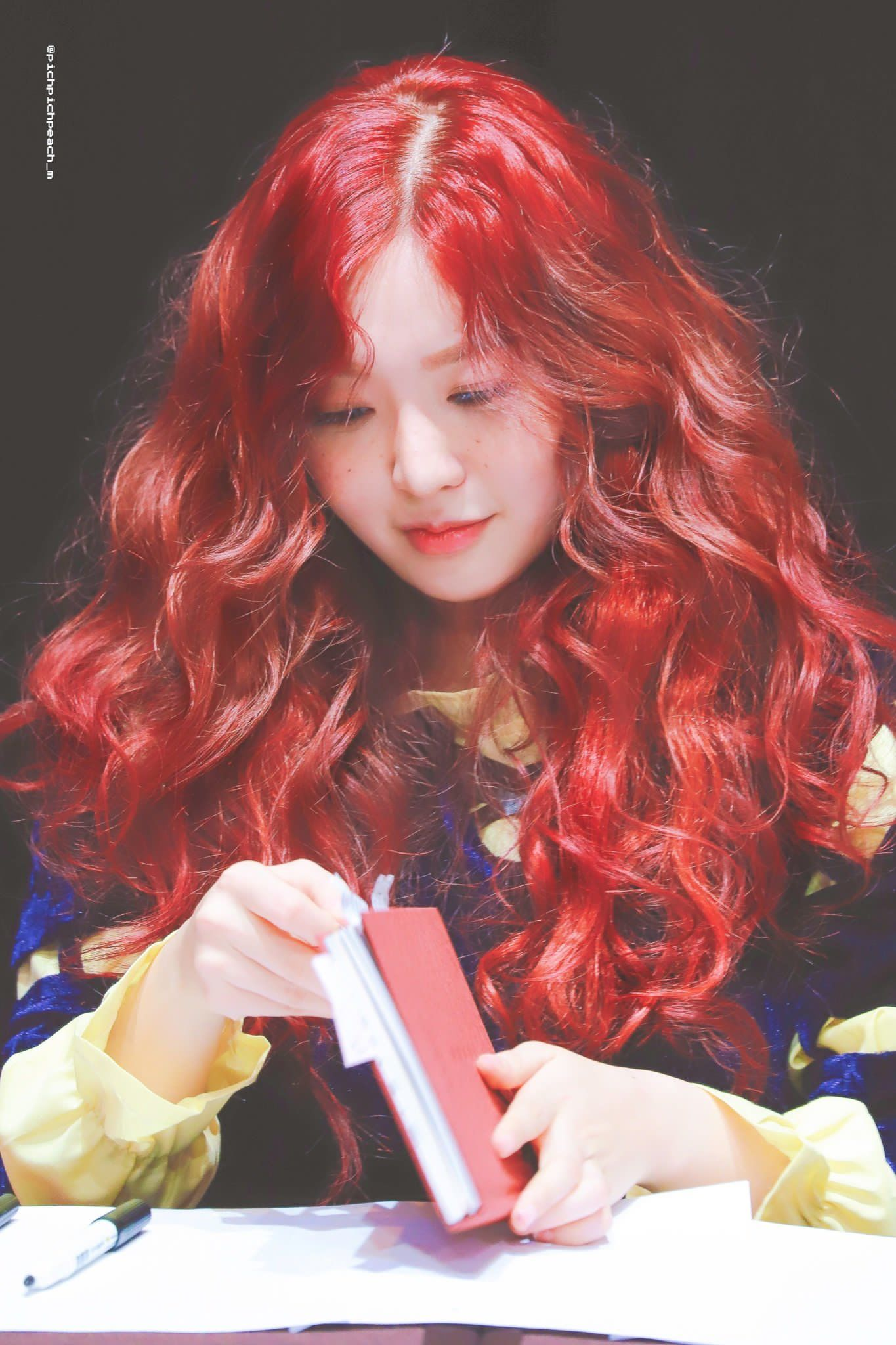 Pin By Lulamulala On Aoa Chanmi In 2020 Kpop Hair Color Red Hair Outfits Girls With Red Hair