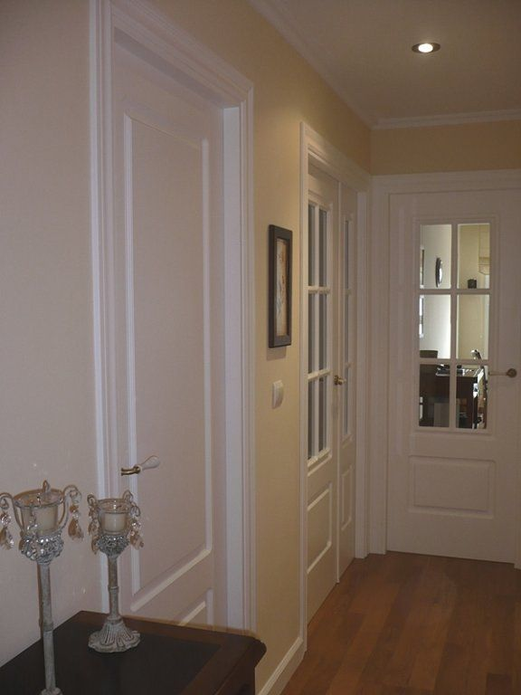 El post de las casas con puertas blancas puertas blancas for Casas pintadas interior