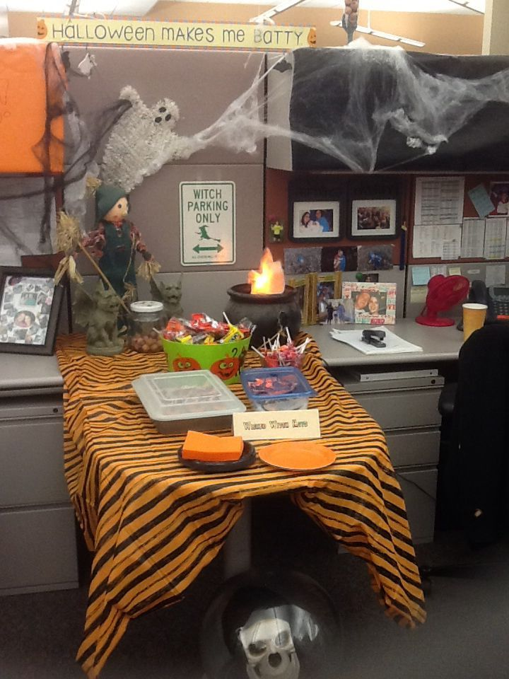 20 Amazing Office Halloween Decorations Ideas 20