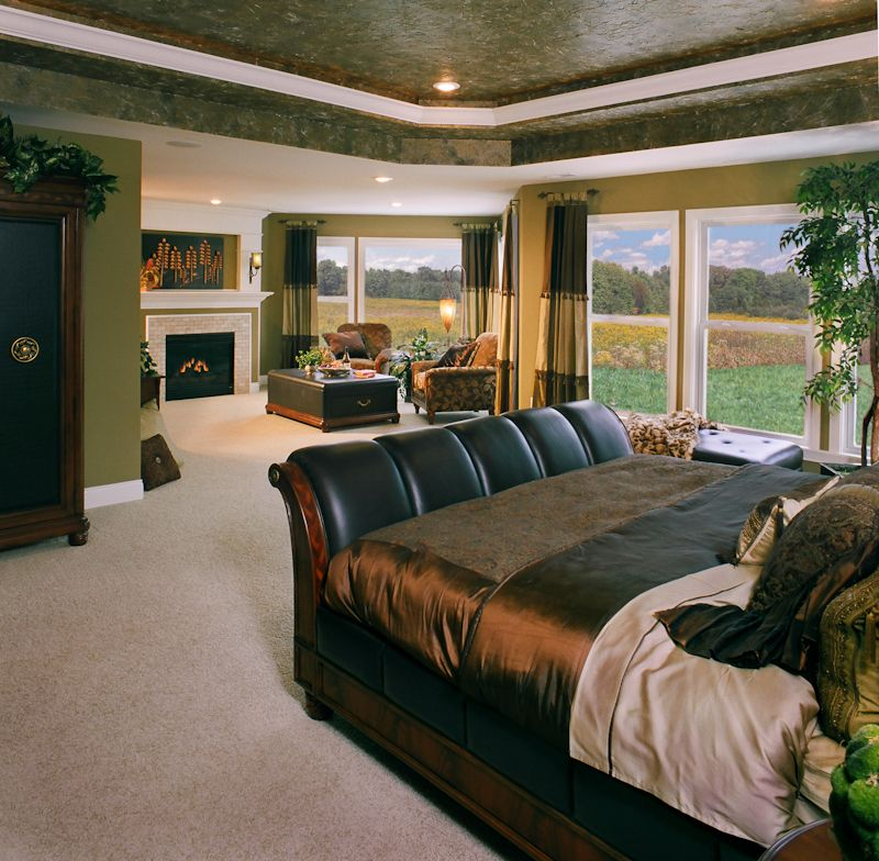 Now This Is A Master Bedroom Large Master Suite With Sitting