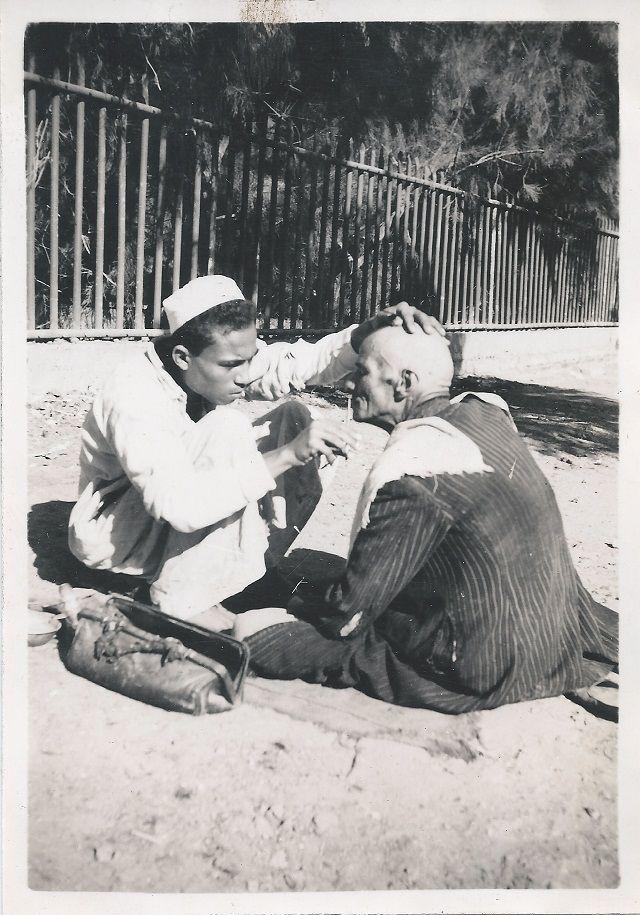 Street barber - 1946/1947 GAZA