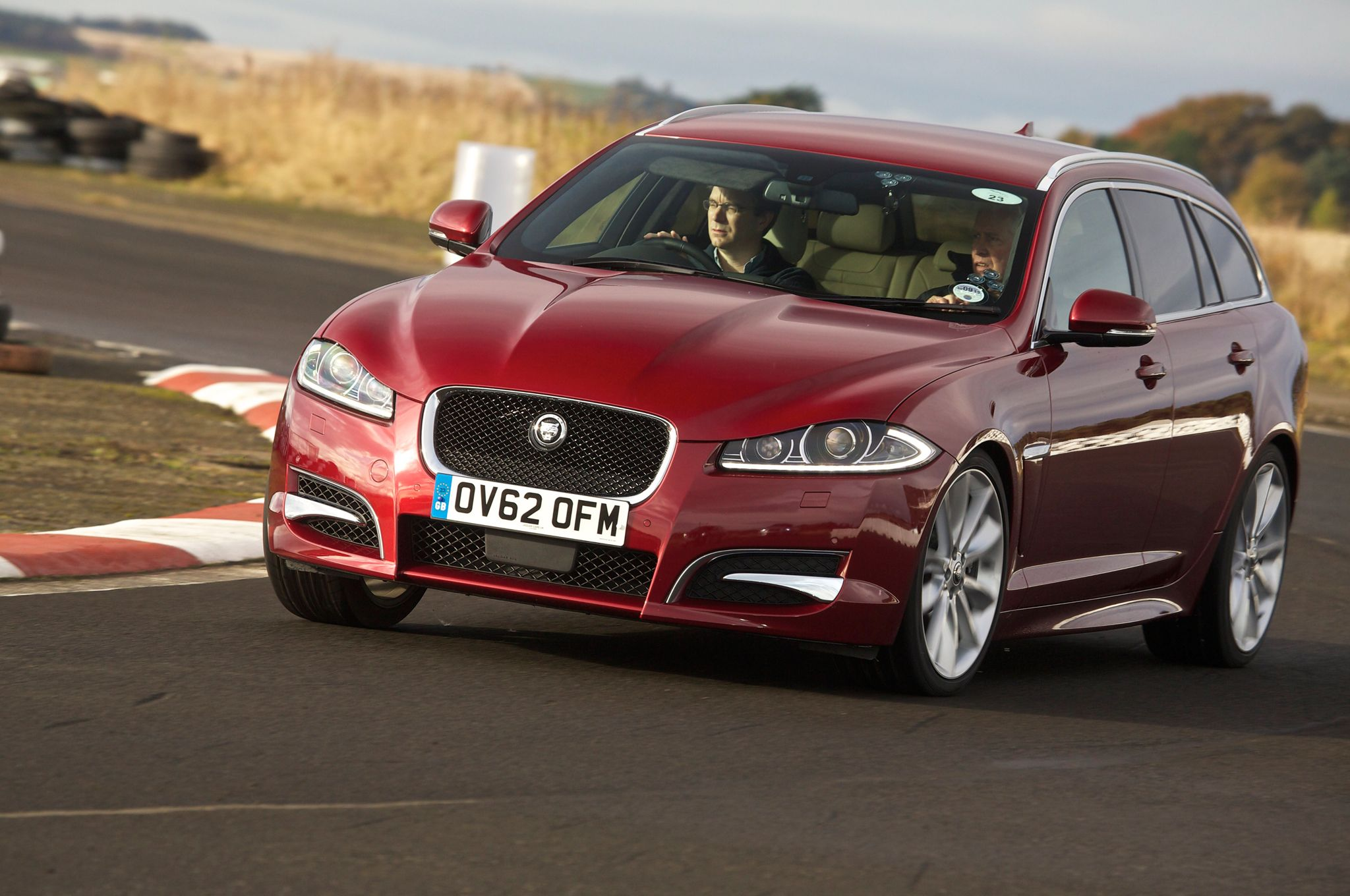Jaguar Will Offer Wagons In The Future Just Not An Xe Sportbrake Automobile Jaguar Jaguar Xf Wagons