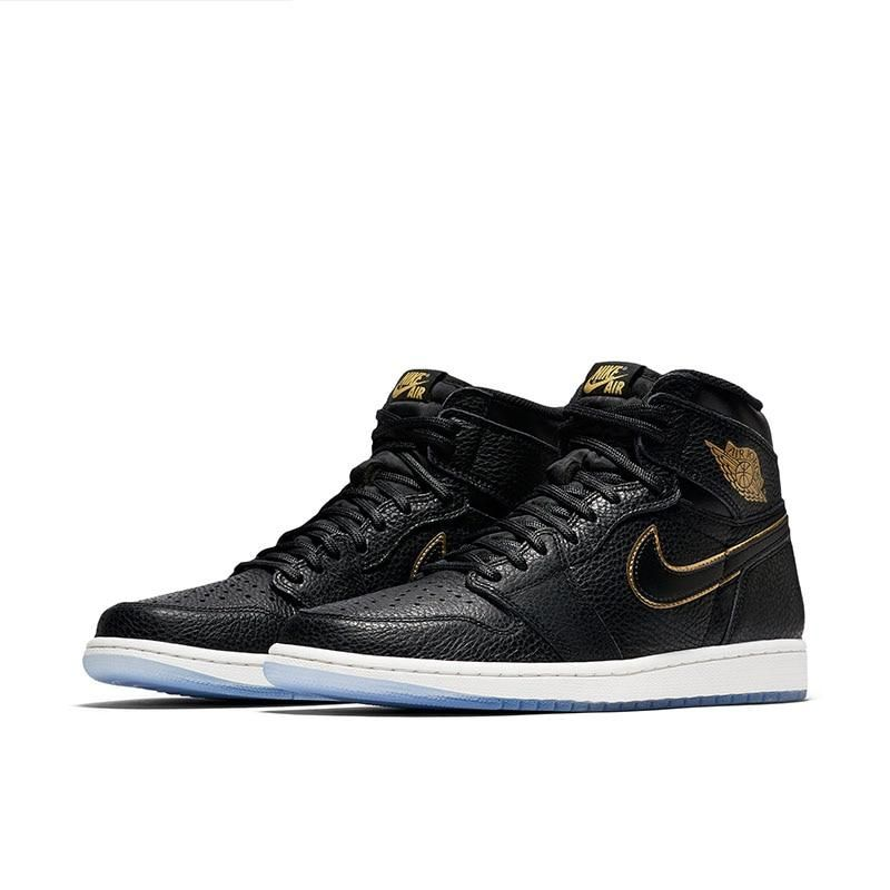Sporting A Tumbled Black Leather Upper An Icy Outsole And