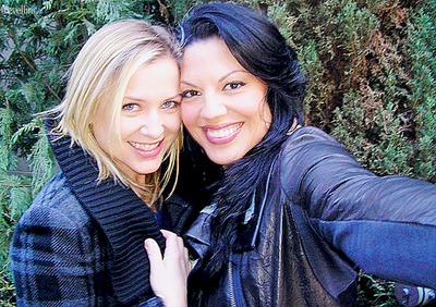 Is jessica capshaw gay