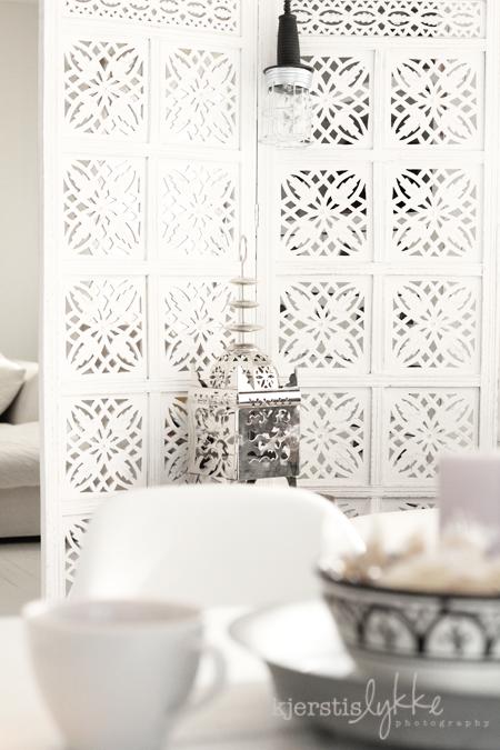 White wall and moroccan lantern. By - http://kjerstislykke.blogspot ...
