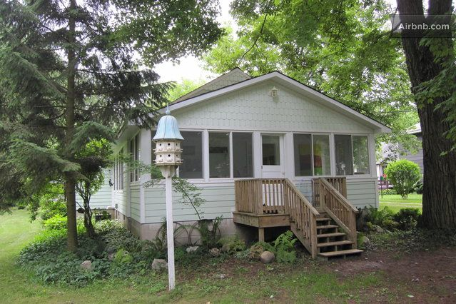 Harbor Country Beach Cottage In Chikaming Township Vacation Home Beach Cottages Condo