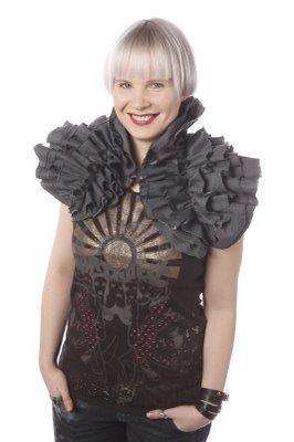 ::: OutsaPop Trashion ::: DIY fashion by Outi Pyy :::: OutsaPop DIY shoulder wrap - MissMix April column