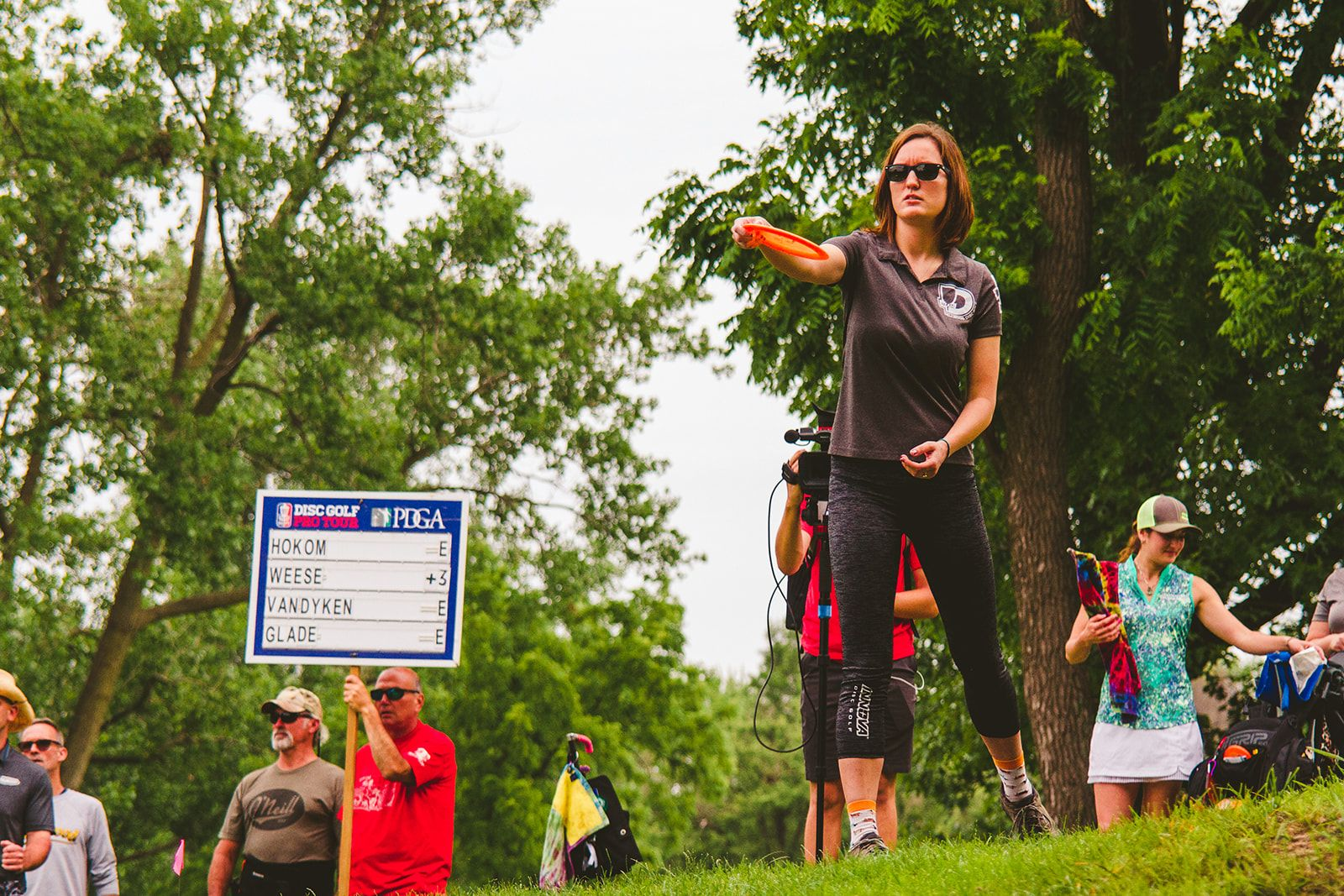 I asked a three professional disc golfers: Jessica Weese, Kacie Glade and Dan Schlitter, what their practice routines have looked like during this time. #discgolf #practice #routine #mindset #athlete #perfectputt #perfectputt360 #discgolfstrong #innovadiscs #discraftdiscgolf #golf #frisbee #frisbeegolf #covid #coronavirus #active #stayingactive #fit #fitness