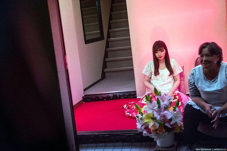 俄國攝影師走進「飛田新地」,冒險用影像紀錄大阪紅燈區 - DCFever.com | 飛田新地, 飛田, 影像