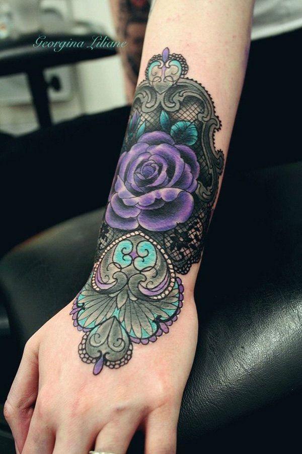 Tattoo Sur L Avant Bras En Couleur Type Dentelle Tatouages